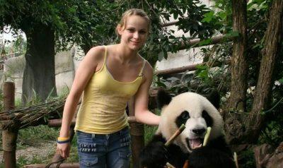 ソフィー・ワードの現在は?パンダに触り感染!病気、病名はライム病で犬や猫からの感染は?【仰天ニュース】